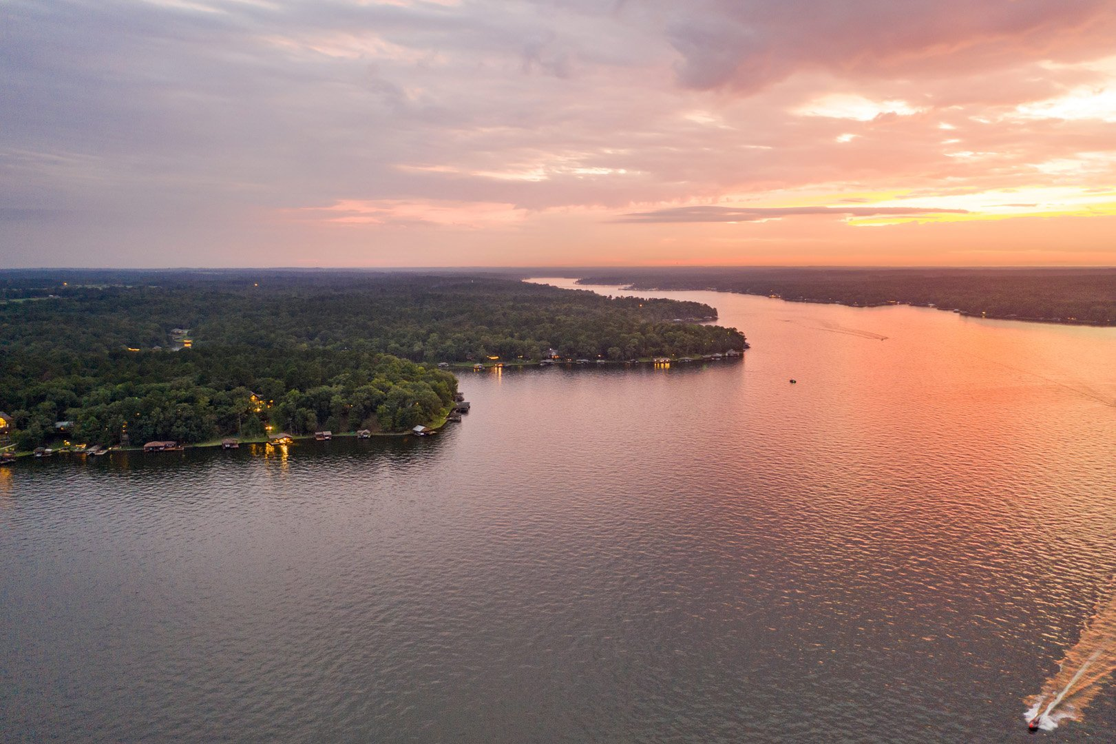 Find the perfect lake-front property in East Texas